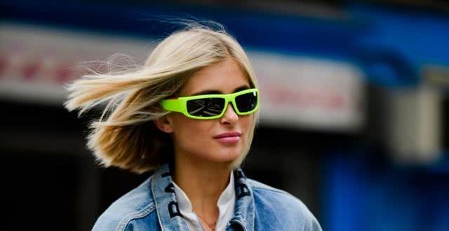 """【""""墨镜;脸型;配饰""""穿出欧美范】别小看墨镜的时髦感,3款不同风格,让墨镜兼具修饰脸型与吸睛配饰功能"""